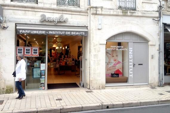 La-Rochelle-Douglas
